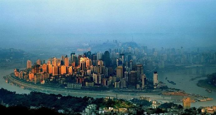 """2020上半年全国GDP十强城市""""榜单""""出炉,重庆超越广州晋升第四!"""