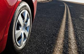 汽车轮胎压力过高、不足的危害及正确的胎压