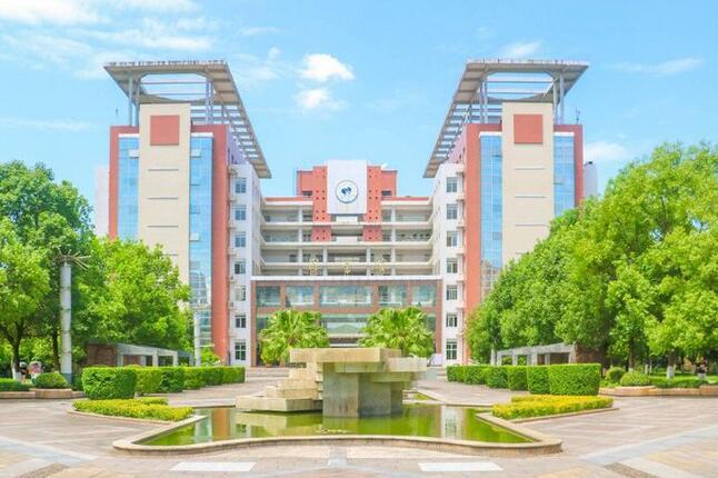 重庆长江师范大学专业及详细学校介绍。