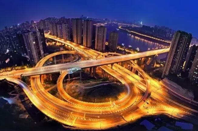 重庆地形,一部3D魔幻现实主义巨作。